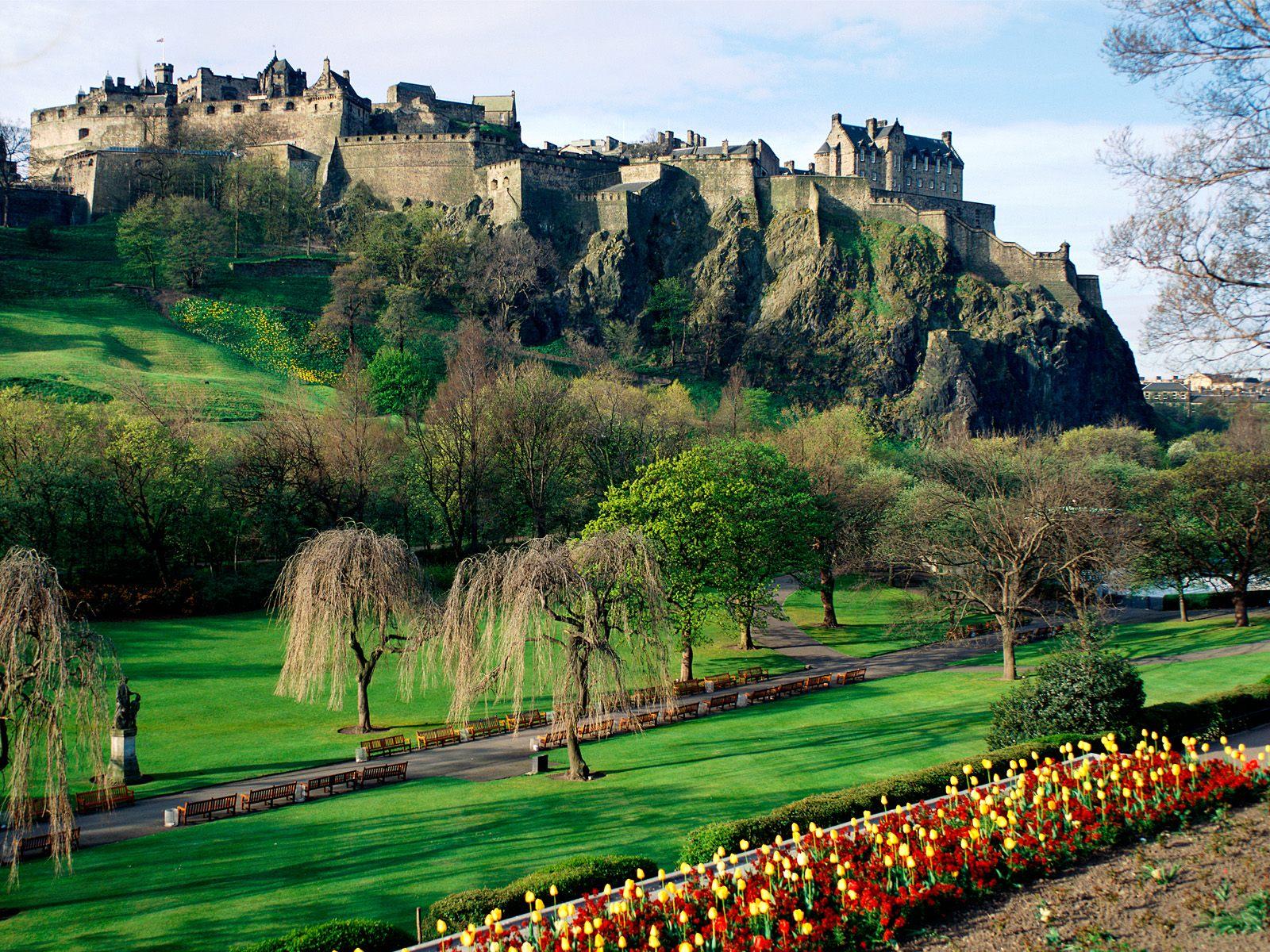 Edinburgh Castle, Edinburgh, Scotland.jpg