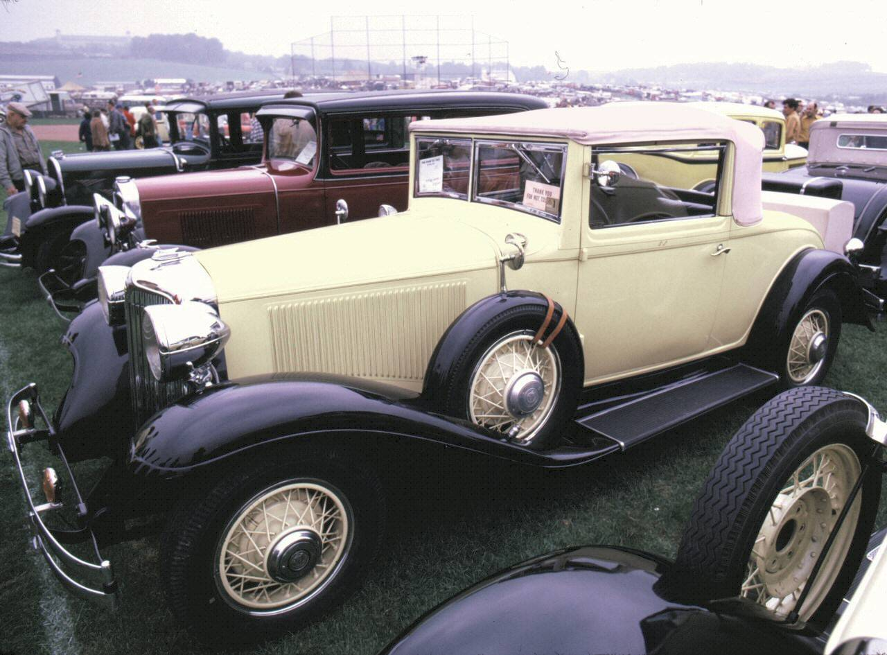 Voitures Anciennes 3 Gem Car Wiring Schematics 1932 Chrysler Imperial 8 2 Door Convertible Coupe Light Yellow